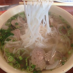 Photo taken at Pho Thang by DJ F. on 9/11/2014
