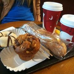 Photo taken at Starbucks by Keven H. on 11/23/2012