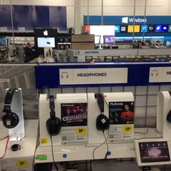 Photo taken at Best Buy by Ricky P. on 3/1/2014