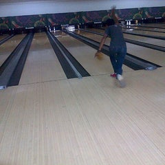Photo taken at 88 Hokki Bowling Center by Dwi S. on 1/11/2014