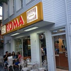 Photo taken at Roma Dondurmacısı by Zekov on 6/24/2013