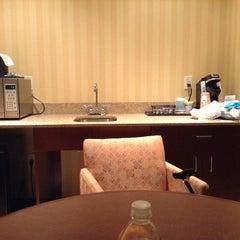 Photo taken at Hilton Garden Inn by TYree on 2/17/2014
