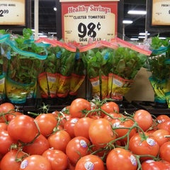 Photo taken at Sprouts Farmers Market by Angela L. on 6/14/2014