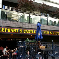 Photo taken at Elephant & Castle by Georges H. on 7/21/2013