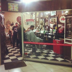 Photo taken at Barbearia 9 de Julho by Cesar H. on 10/10/2012