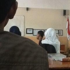 Photo taken at SMA Negeri 15 Surabaya by Sahrul F. on 9/28/2013