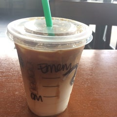 Photo taken at Starbucks by Emre C. on 7/13/2015