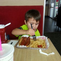Photo taken at Smashburger by Emily S. on 10/9/2013