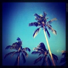 Photo taken at Pariya Resort & Villas Haad Yuan Koh Phangan by Kittiphong B. on 7/15/2011