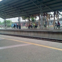 Photo taken at KTM Line - Bandar Tasik Selatan Station (KB04) by Cikgu D. on 12/19/2011