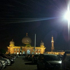 Photo taken at Masjid Agung An-Nur by eko k. on 8/18/2011