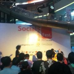 Photo taken at Indonesia Social Media Festival 2011 (SocMedFest) by mhz h. on 9/22/2011