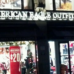 Photo taken at AEO & Aerie Store by Khris C. on 12/2/2011