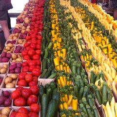Photo taken at Dupont Circle FRESHFARM Market by Steve L. on 6/17/2012