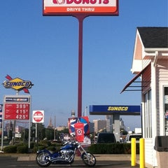 Photo taken at Dunkin Donuts by John D. on 7/30/2011