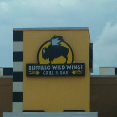 Photo taken at Buffalo Wild Wings by Timothy S. on 7/27/2011