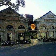 Photo taken at Hard Rock Cafe by Aditya D. on 3/9/2012