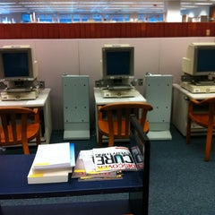 Photo taken at Research Assistance at Snell Library Northeastern University by Totsaporn I. on 9/25/2011