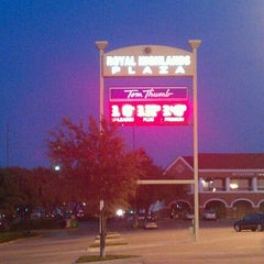 Photo taken at Tom Thumb by Lynell W. on 10/13/2011