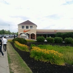 Photo taken at Grove City Premium Outlets by JungGuk K. on 7/16/2012