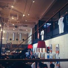 Photo taken at カフェ ゼノン (CAFE ZENON) by Junichi M. on 9/9/2012