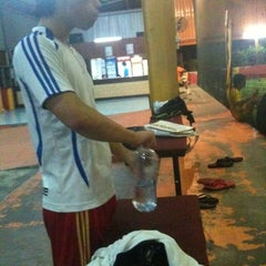 Photo taken at Meracipta Futsal Salak Tinggi by Superman_i.love.u on 6/3/2011