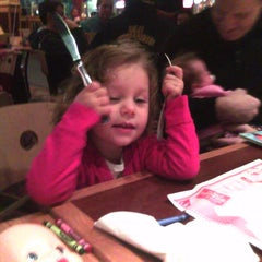 Photo taken at Red Robin Gourmet Burgers by Thomas D. on 1/29/2011