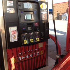 Photo taken at SHEETZ by Colin S. on 2/17/2012