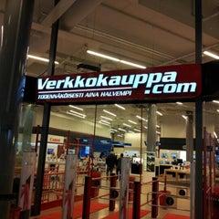 Photo taken at Verkkokauppa.com by Jose M. on 5/11/2012