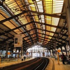 Photo taken at Bahnhof Berlin Friedrichstraße by Jones on 4/6/2012
