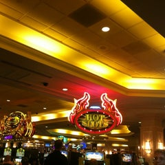 Photo taken at Horseshoe Casino by Meow ❤ ❤. on 7/1/2012