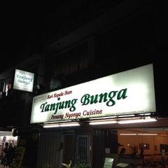 Photo taken at Restoran Tanjung Bunga by Chrystian T. on 7/7/2012