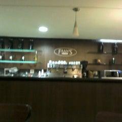 Photo taken at Fran's Café by Mércio R. on 7/7/2012