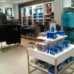 Photo taken at EXPRESS by Diego Arturo N. on 9/6/2014