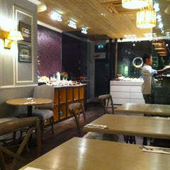 Photo taken at L'ETO Caffe - Fulham by Christine L. on 1/16/2013