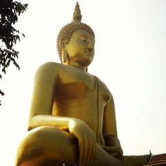 Photo taken at วัดม่วง (Wat Muang) by Chayklang K. on 10/13/2012