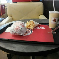 Photo taken at Burger King by Rulianti on 6/5/2015