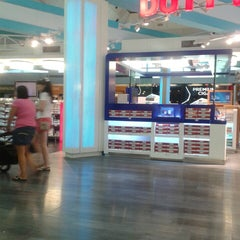 Photo taken at ATÜ Duty Free by Cerkes S. on 7/27/2013