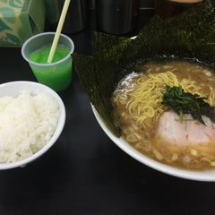 Photo taken at らーめん ぎょうてん屋 町田店 by kengo_AGU on 6/21/2015