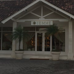 Photo taken at Jemme Dining by DENDY on 6/9/2015