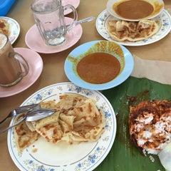 Photo taken at Restoran Zaman by Winki C. on 8/7/2015
