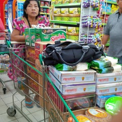 Photo taken at Giant Hypermarket by Henny D. on 6/16/2015