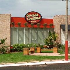 Photo taken at Divina Comédia Pizza Bar by Divina Comédia Pizza Bar on 3/20/2014