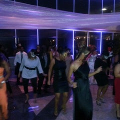 Photo taken at Atrium at Treetops by Happy Hour on 8/19/2013