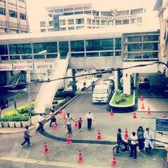 Photo taken at Bangkok Plaza (บางกอก พลาซ่า) by Kitti N. on 2/2/2013