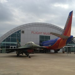 Photo taken at Frontiers of Flight Museum by Eduardo G. on 4/9/2013