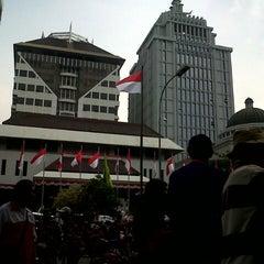 Photo taken at Mahkamah Konstitusi by mistanudin c. on 8/15/2014