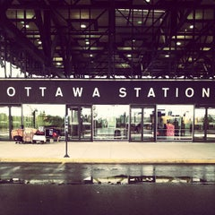 Photo taken at VIA Rail Ottawa by Kei H. on 9/21/2013