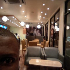 Photo taken at Haagen-Dazs by Andre M. on 7/30/2013