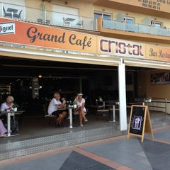 Photo taken at Grand Cafe Cristal by Antonio R. on 9/14/2013